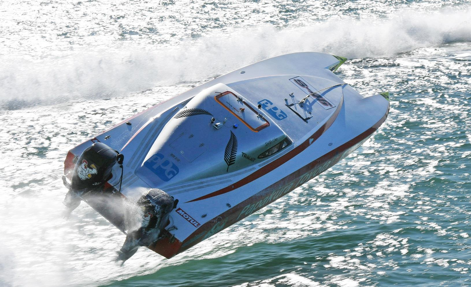 JEREMY WARD (New Zeland) NZ Offshore Powerboat Series, R7 Whitianga, New Zealand on the 13th May 2017